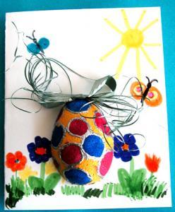 Fabrication d'une carte de Pâques avec un oeuf