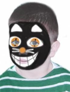 Comment réaliser un superbe maquillage de chat de sorcière ? Ce maquillage est minutieux mais ne nécessitera que peu de déguisement puisqu'il suffit d'habiller votre enfant entièrement en noir pour donner l'impression d'un vrai chat.