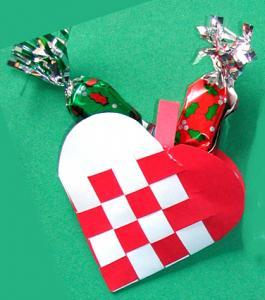 fabriquer  du coeur tressé de Noël d'Andersen