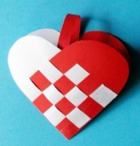 Fabriquer un coeur noël tressé simple