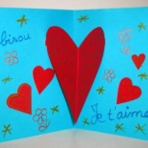 Fabriquer une carte coeur animée coeurs