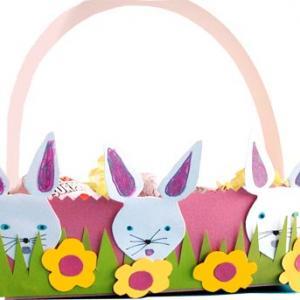 Corbeille à oeufs décorée de lapins