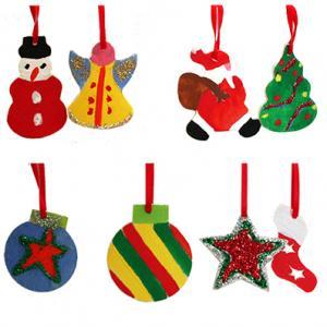 Décorations de Noël en bois peint