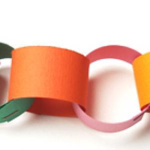 Fabriquer une guirlande d'anneaux de papier
