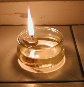 Fabriquer une lampe à huile toute simple pour le jardin