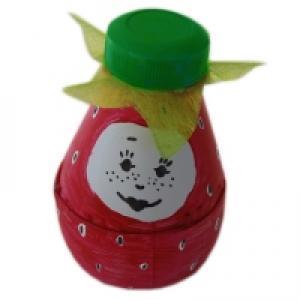 Madame fraise en plastique