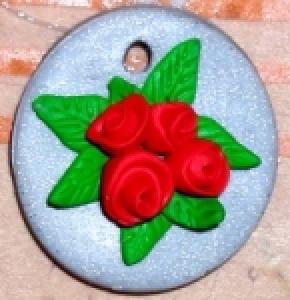 Fabriquer un médaillon aux roses rouges