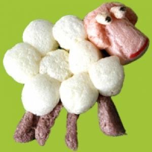 Mouton en PlayMais à plat