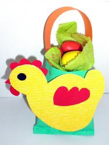 Panier de Pâques à grosse poule