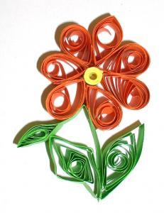Fabriquer une fleur en papier roulé