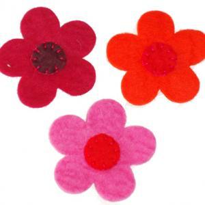 Fleurs en feutrine