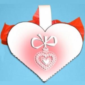 Réaliser des pochettes coeurs à dragées