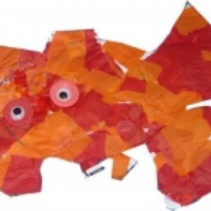 Poisson décoré de papier vitrail collé