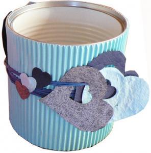 Bricolage d'un pot à crayons bleu pour la féte des péres