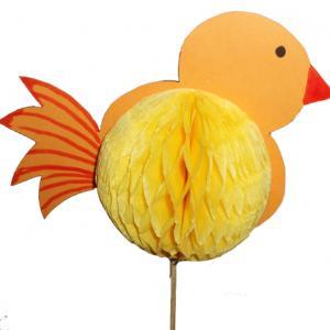 Fabriquer un poussin de Pâques avec des poules de coton et des plumes
