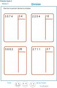 Calculer le quotient décimal au dizième d'une division : exercice 1
