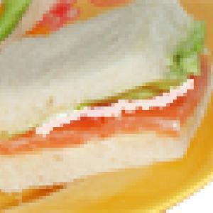 mini sandwichs au saumon et fromage blanc