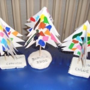 Fabriquer un mini sapin de noël en papier