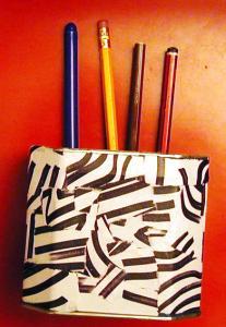 Fabriquer un pot à crayons au motif jungle