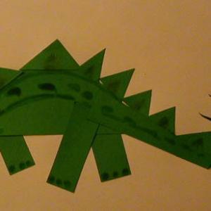 Réalisation d'un dinosaure en papier