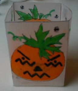 Photophore en papier calque décoré d'une citrouille