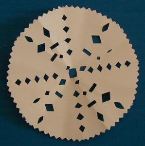 Réaliser un napperon en papier