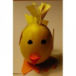 Photo de la réalisation d'un oeuf de Pâques