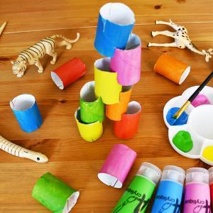 Apprendre à encastrer avec les rouleaux Montessori