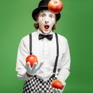 jongleur - mot du glossaire Tête à modeler. Définition et activités associées au mot jongleur.