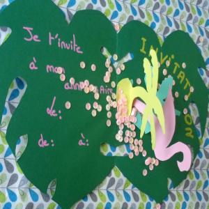tuto pour bricoler avec les enfants une carte d'invitation pop-up sur le thème tropicale