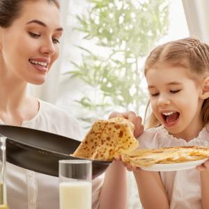 La chandeleur 2019 se fêtera comme chaque année le 02 février 2019. La date est calculée par rapport à Noël. Très populaire en France c'est l'occasion de manger des crêpes en famille et de se réunir autour de tas d'activités.