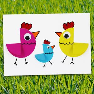 Une activité de Pâques pour les plus petits, dès la maternelle. Créez une famille de poules en papier grâce à des cercles en papiers. Une activité très simple et parfaite pour Pâques !