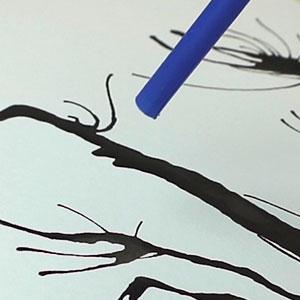 Explications de la technique de peinture à la paille pour les enfants