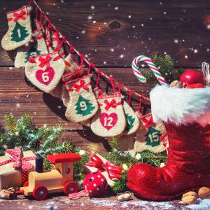 """L'Avent est la période pendant laquelle les chrétiens préparent Noël. Le mot Avent vient du latin """" adventus"""" qui signifie venue. L'Avent est donc l'attente de la venue de Jésus-Christ."""