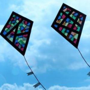 activité de bricolage pour enfants pour réaliser un cerf-volant déco
