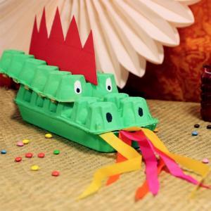 Tuto récup pour bricoler avec les enfants un dragon en boîte à oeufs pour le nouvel an chinois