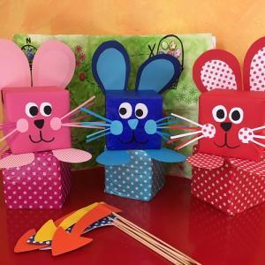 À Pâques c'est l'occasion de manger des oeufs en chocolats, mais avant il y a la chasse aux oeufs ! Et les enfants adorent cette tradition !...