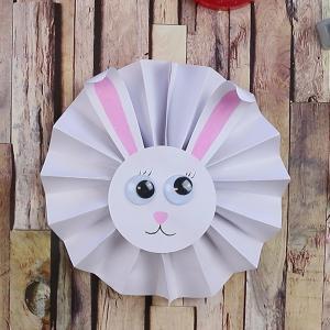 tuto pour bricoler avec les enfants un lapin en papier accordéon