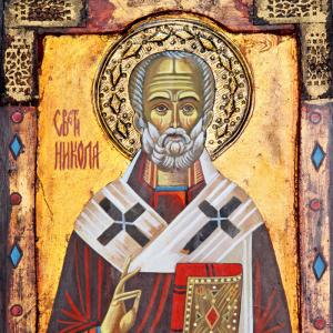 Les miracles de Saint Nicolas sont nombreux, voici les plus connus ! Une révolte ayant éclaté en Phrygie, l'empereur romain y envoya trois officiers de son armée pour remettre de l'ordre. Ils embarquè