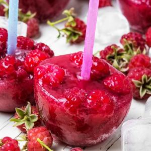 Mini sucettes glacées aux fruits