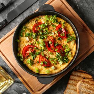 Une recette omelette à la russe: Voici une recette que je tiens d'une amie russe. Cette recette de l'omelette à la russe a certainement été modernisée par mon amie pour gagner en rapidité d