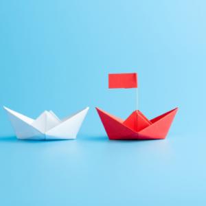 Comment faire un bateau en papier origami ? Voici les explications qui vous aideront à fabriquer un bateau en papier origami simple. C'est un pliage que les enfants aiment et qui est très facile à réaliser.