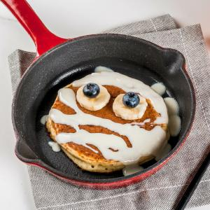 Des pancakes en forme de momie pour le matin d'Halloween ? Découvrez vite les étapes de la recette afin de pouvoir régaler toute la petit famille de monstre le matin du 31 octobre pour halloween.