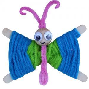 Une activité DIY à faire avec les enfants pour fabriquer un papillon en bâtonnets