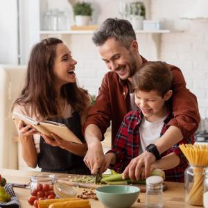 parent - mot du glossaire Tête à modeler. Définition et activités associées au mot parent.