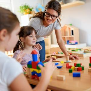 Pedagogie - mot du glossaire Tête à modeler. Définition et activités associées au mot Pedagogie.