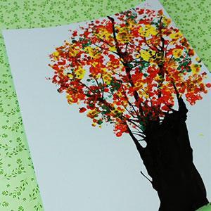 activité de bricolages enfants pour réaliser une peinture à la paille .