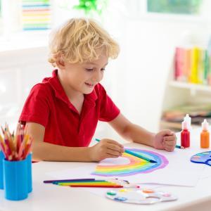 peinture - mot du glossaire Tête à modeler. Définition et activités associées au mot peinture.