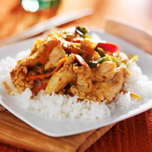 Poulet cuisiné à la pâte tandoori, une recette inspirée de l'Inde. une recette de poulet pour partir à la découverte de l'Inde et de ses saveurs.