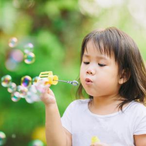 Recette des bulles de savon sans amoniaque. Pour faire autant de bulle qu'on le souhaite !